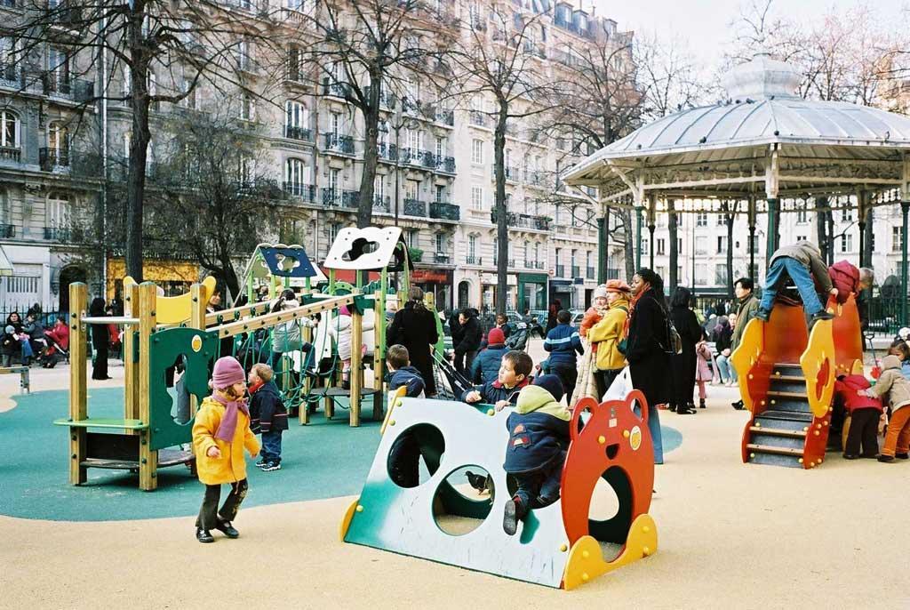 square trousseau3