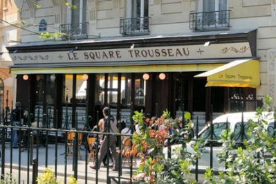 square trousseau 2